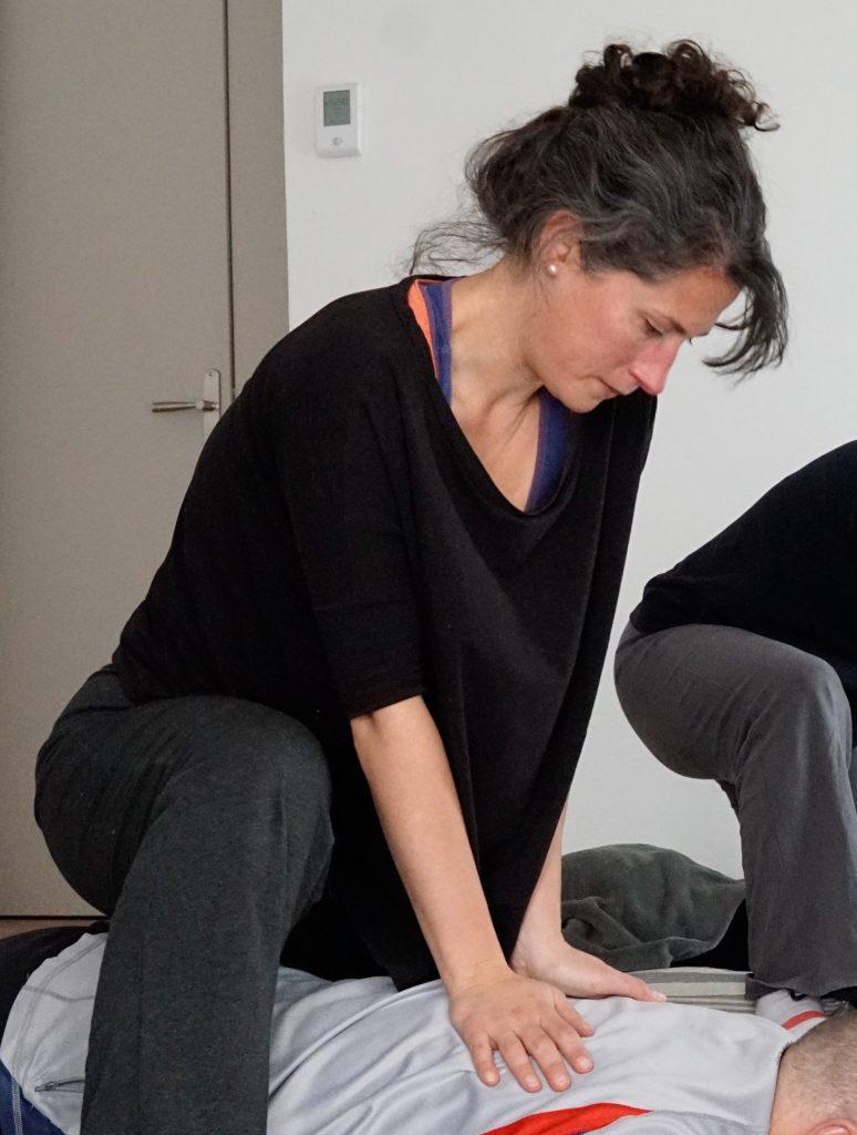 atelier massage habillé